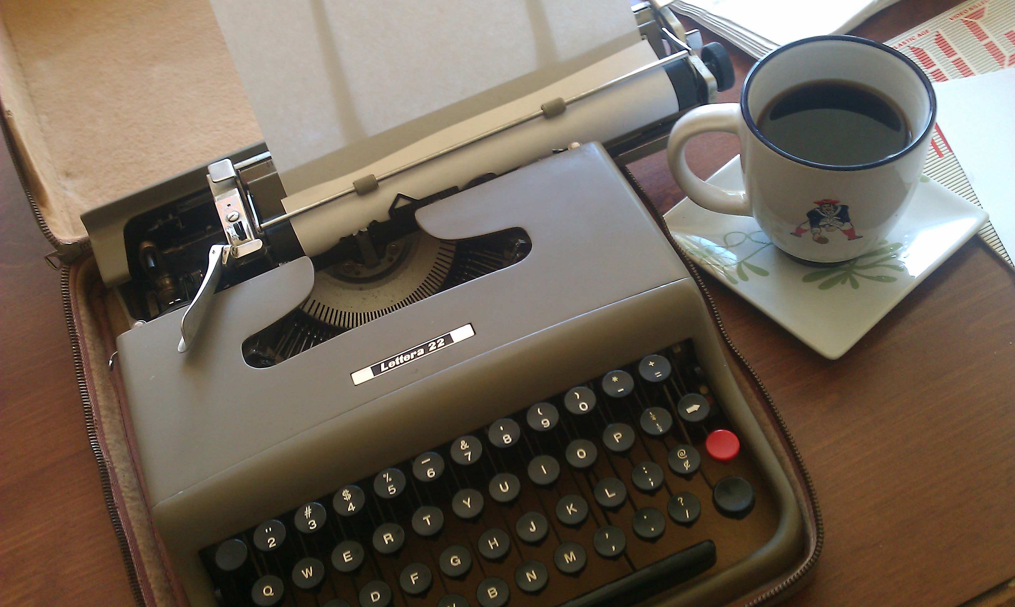 My Olivetti 32 and a cup of coffee
