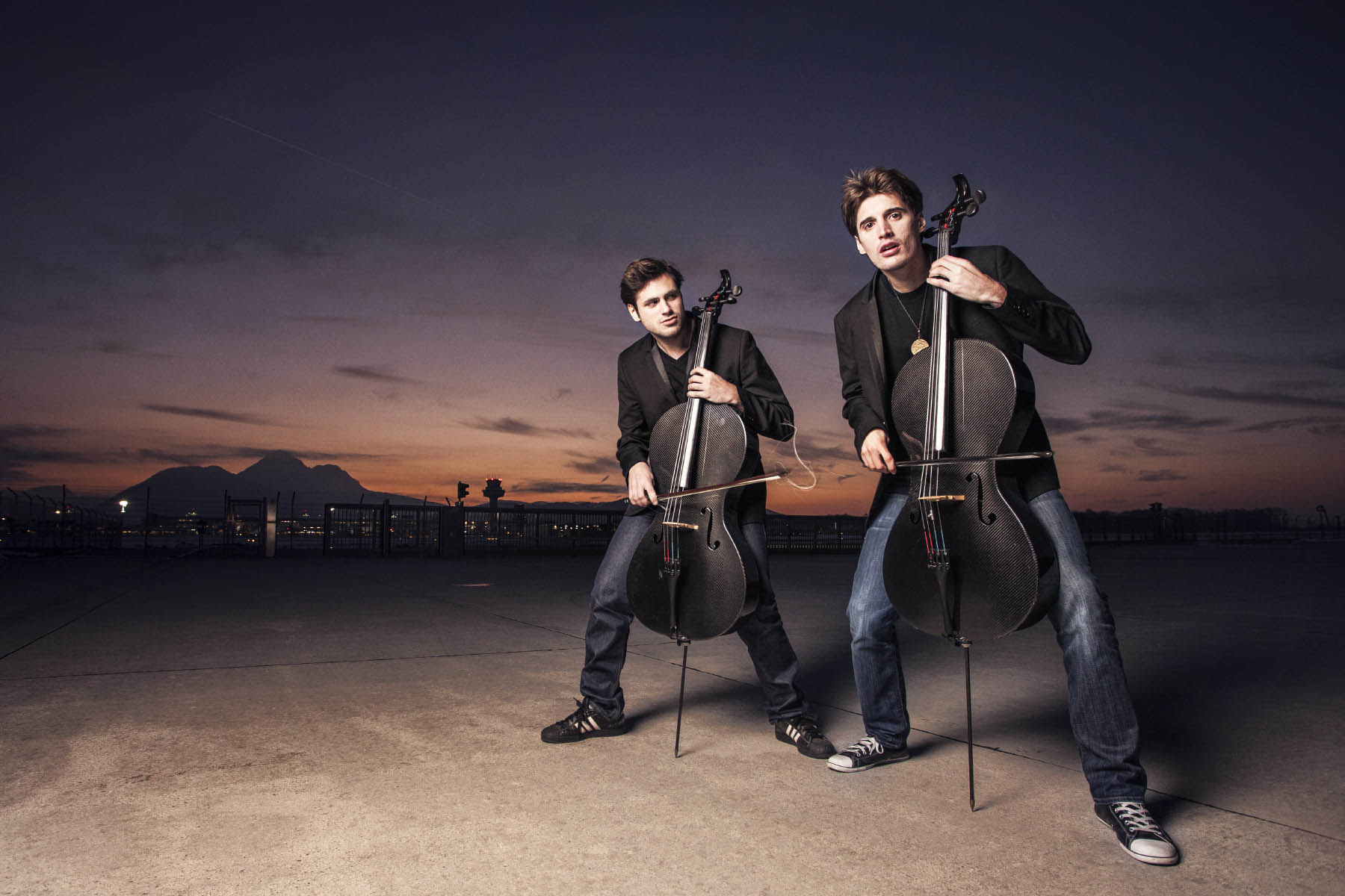 2Cellos plays Welcome to the Jungle: The Best Thing I Watched This Week