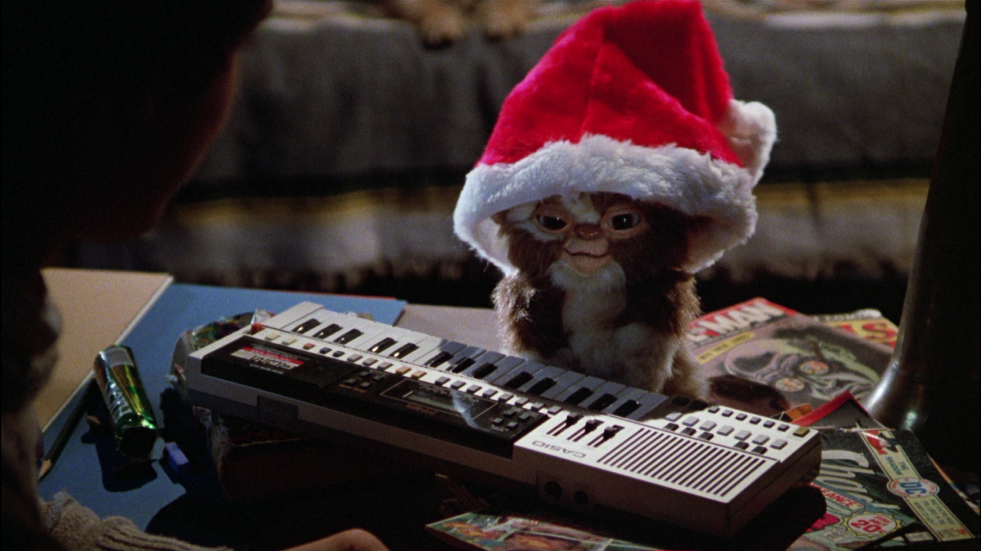 gremlins-movie-gizmo-mogwai-santa-hat | Thirty Hertz Rumble