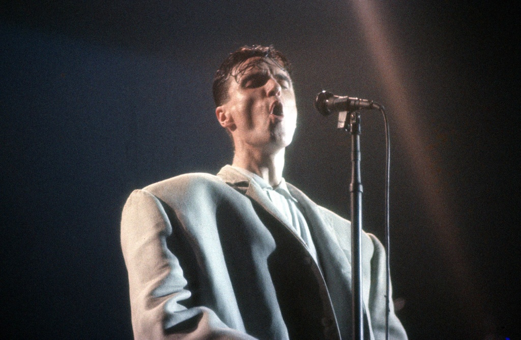 david byrne's suit stop making sene
