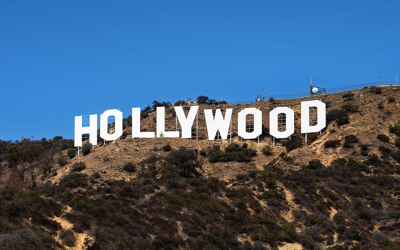 hollywood sign (made in china)
