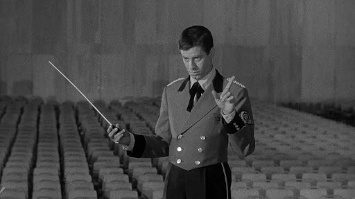 Jerry Lewis conducts an absent orchestra